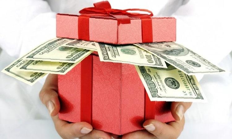 Як правильно дарувати гроші дітям